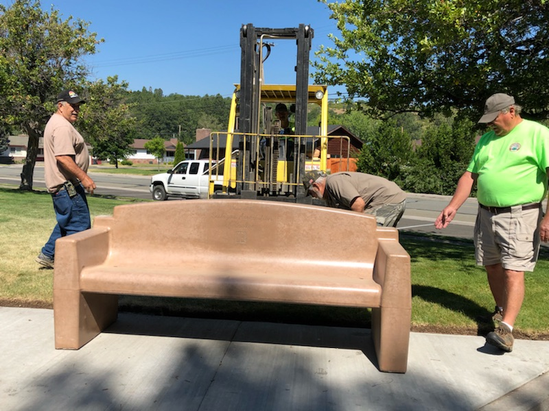 Bench installation in Weed3